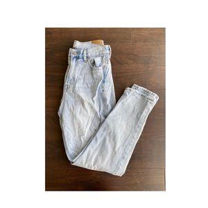 Light wash Mom Jeans!😍👖